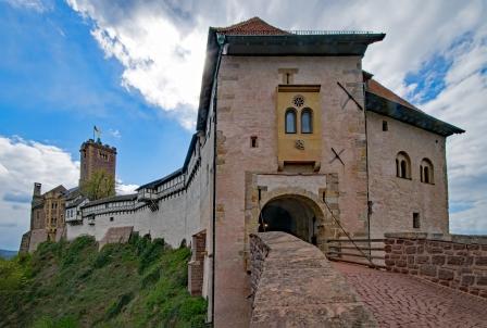 wartburg-castle-2269143_1920