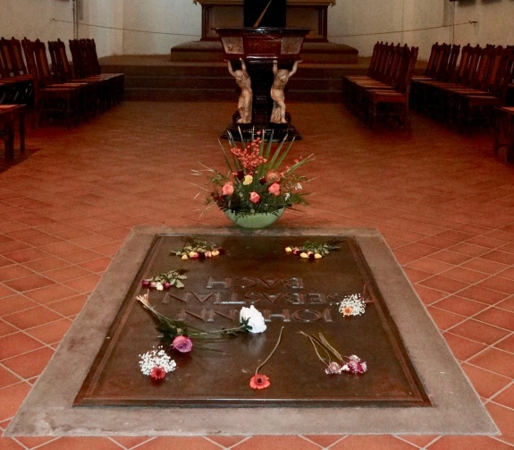 Bach's grave (1)