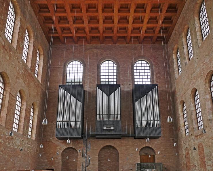 Trier basilica detail
